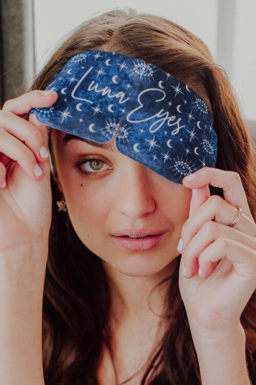 self warming eye mask, chamomile, vegan, relaxing, stress relief, headache relief, tired eyes, calming, eye mask, sleep mask, luna eyes. sleepy,
